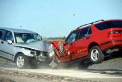 إصابة (4) أشخاص اثر حادث تصادم باربد